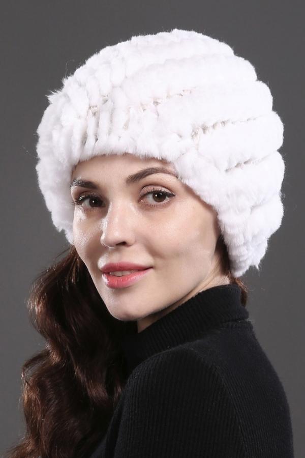 Белая шапка из кролика рекс на трикотажной основе. 1080 - Меховые ... 5f332e1fa9e70